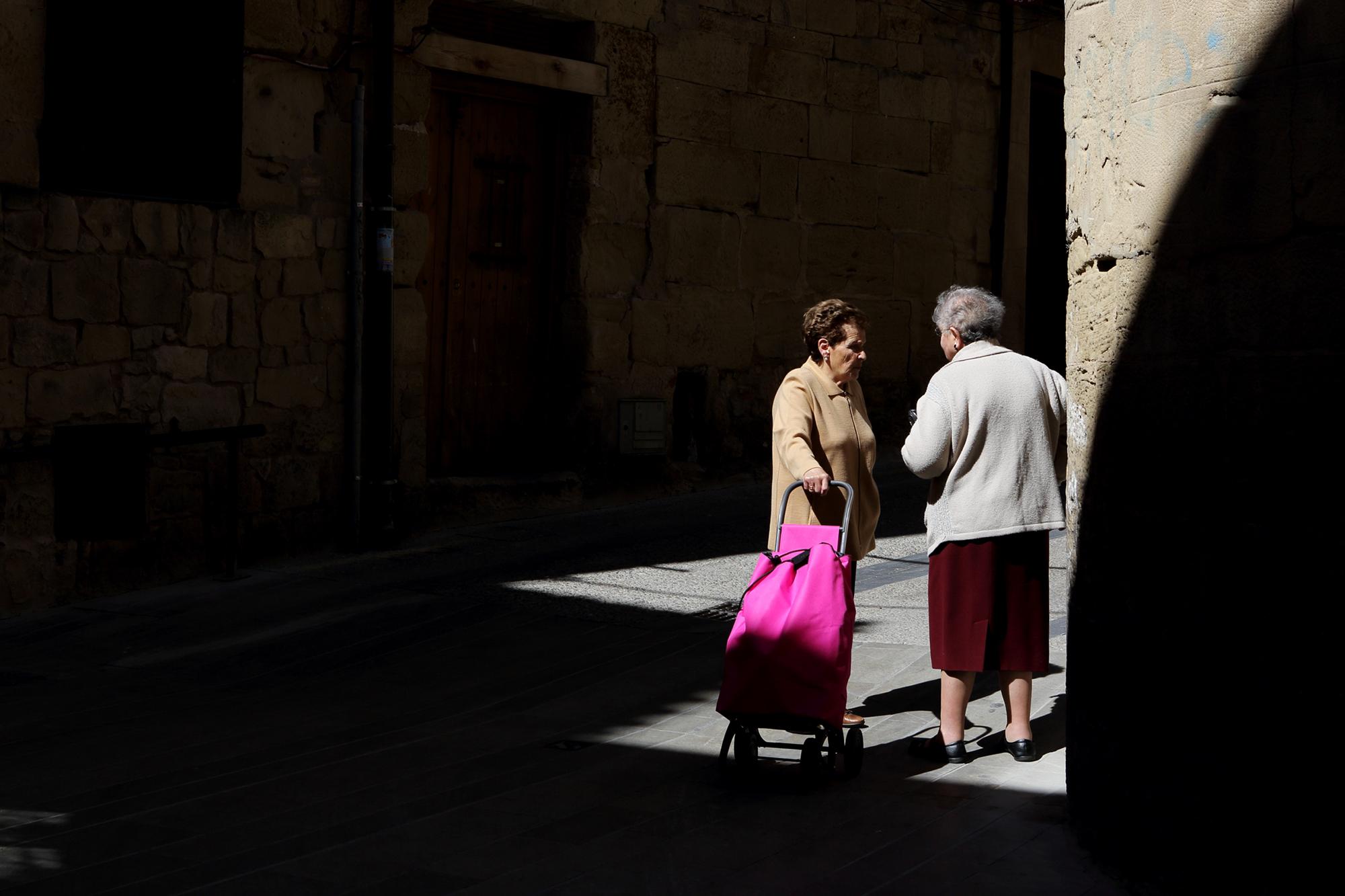 Gossip session, Spain.