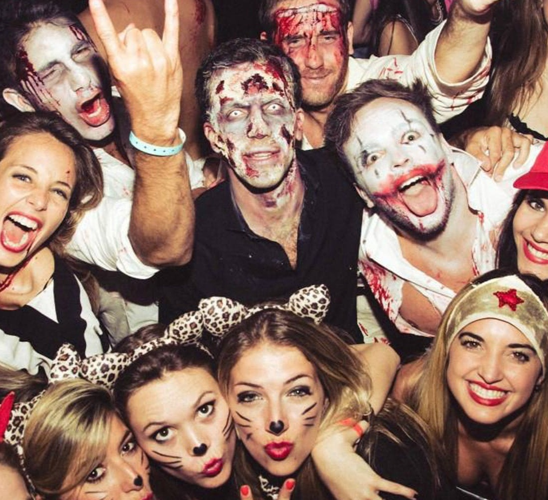 Halloween Bar Crawl on King - What: Looking for a party and chance to win $1,000? Some of Charleston's best bars are hosting a bar crawl and costume contest for $16. Check-in at The Brick at 2 p.m.Details: October 19 at 549 King St, Charleston, SC 29403.