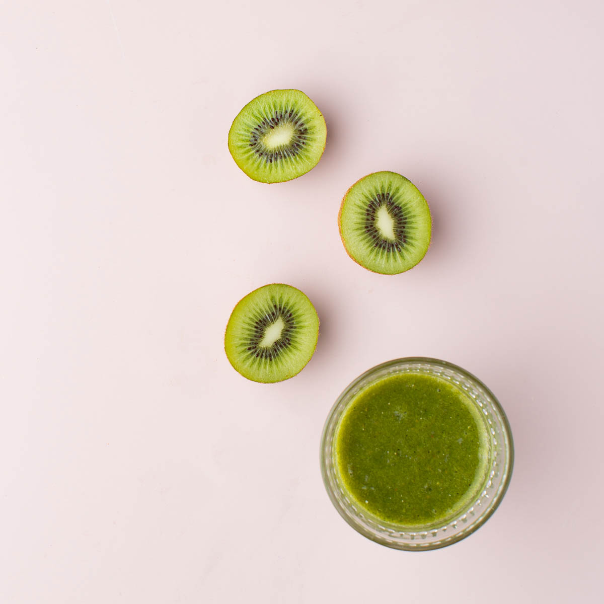 healthy green juice for postpartum and pregnant women