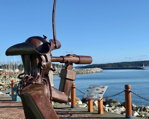 Pirate_sculpture_by_Jake_James,_Beacon_Park(2).jpeg
