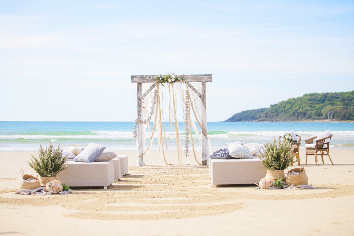 Noosa Main Beach Ceremony:  Styling by Splash Events - Photography by Karen Buckle Photography