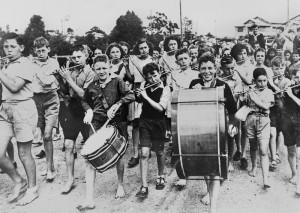 Moorooka State School Band welcoming home soldiers from World War II in Brisbane, Queensland, ca. 1945