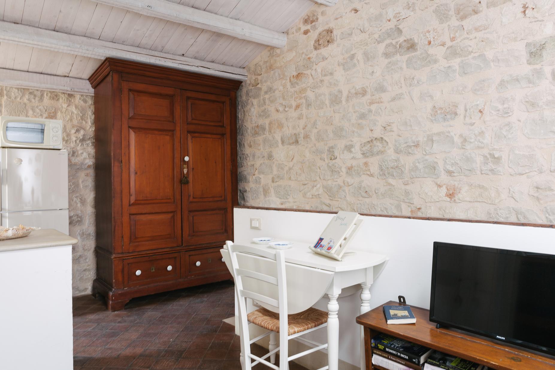 17sampieri-casa-vacanze-sicilia-appartamento-sicily-holiday-apartment-casa-di-pietra-italia-italy.jpg