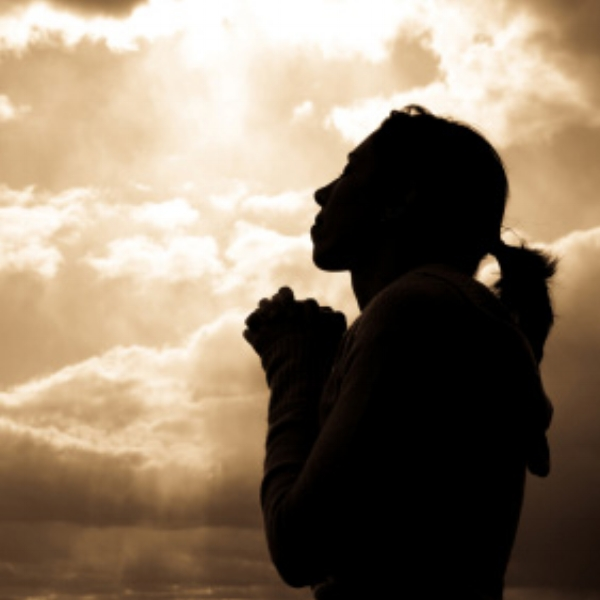 woman-praying-silhoutte-9a9453118bbae4a0305011d13314d0e2.jpg