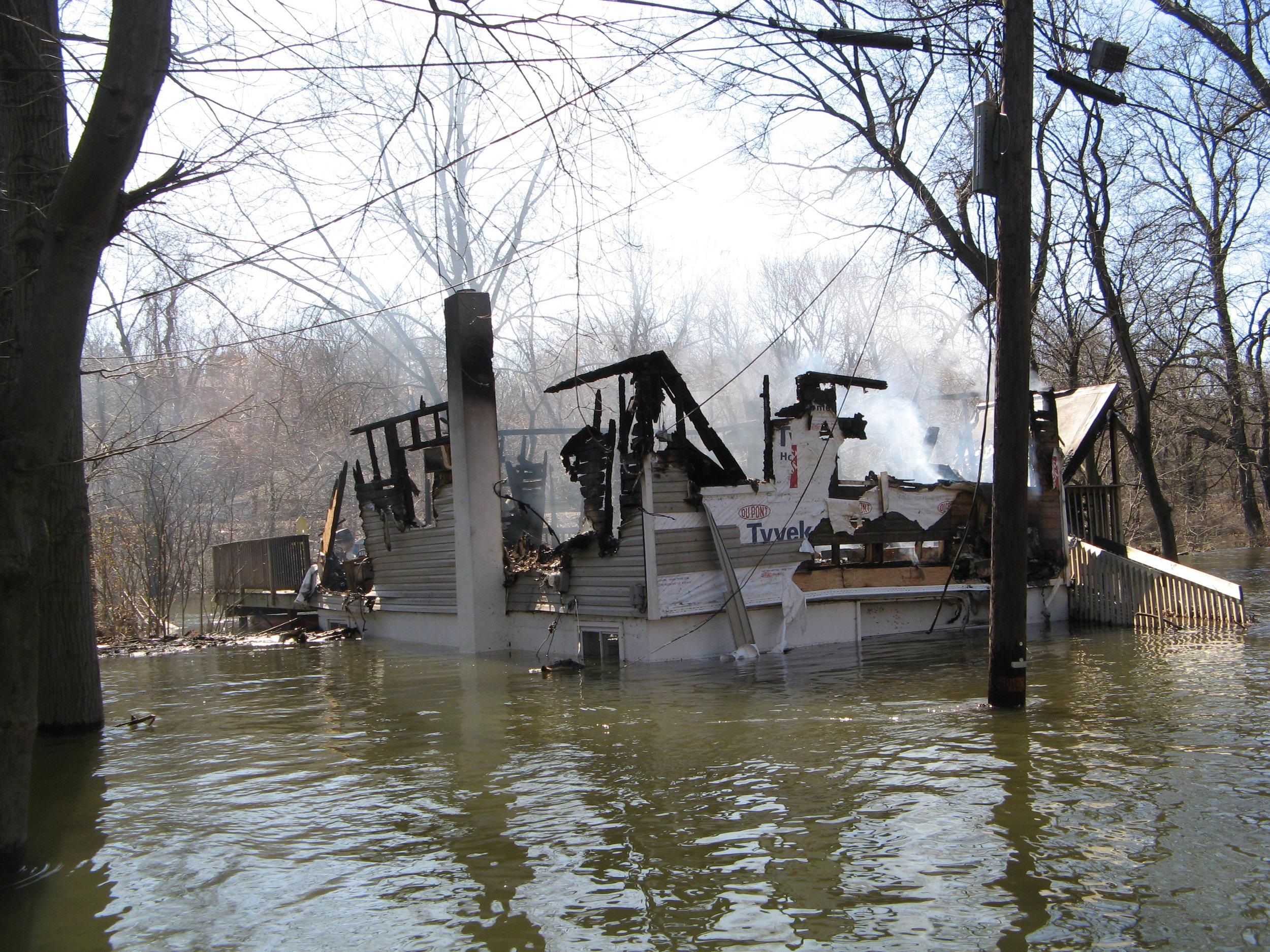 River Road flood house fire 5.jpg