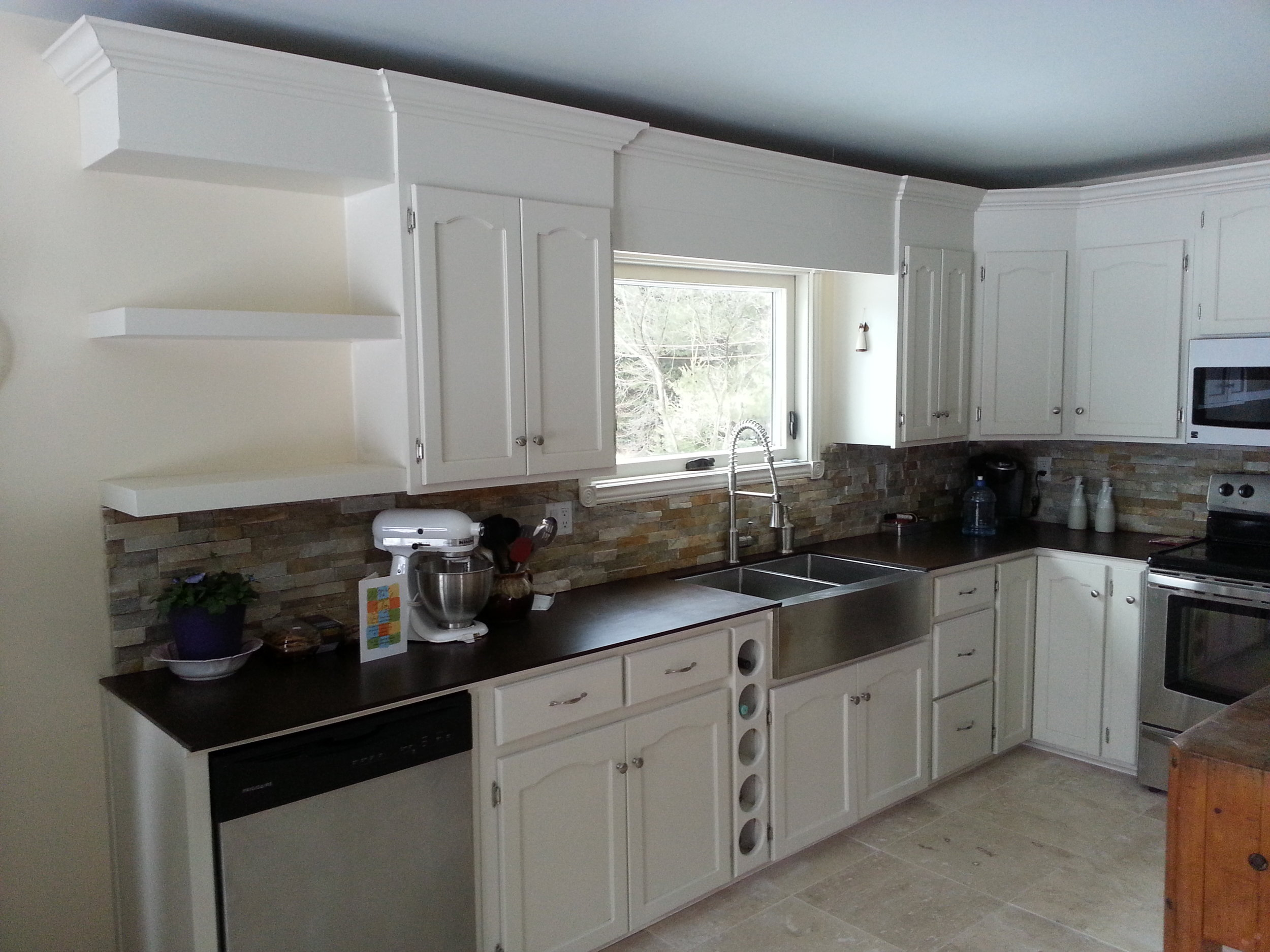 end product.  a lot of renovations went into this kitchen and not all were done by spray & save