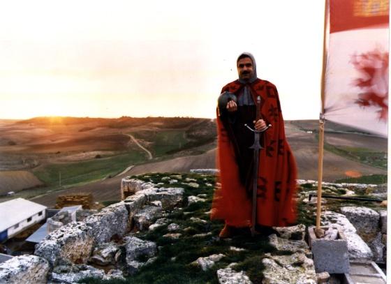 José María Aznar vestido de Cid Campeador, en 1987. Fotografía:Luis Magán.