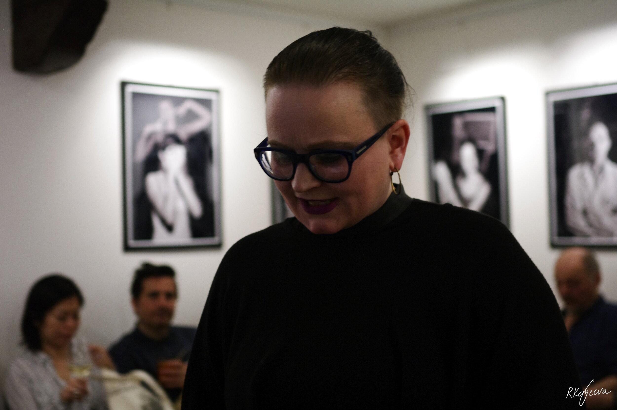 Marita Isobel Solberg performance at Imagina Cafe, Venize