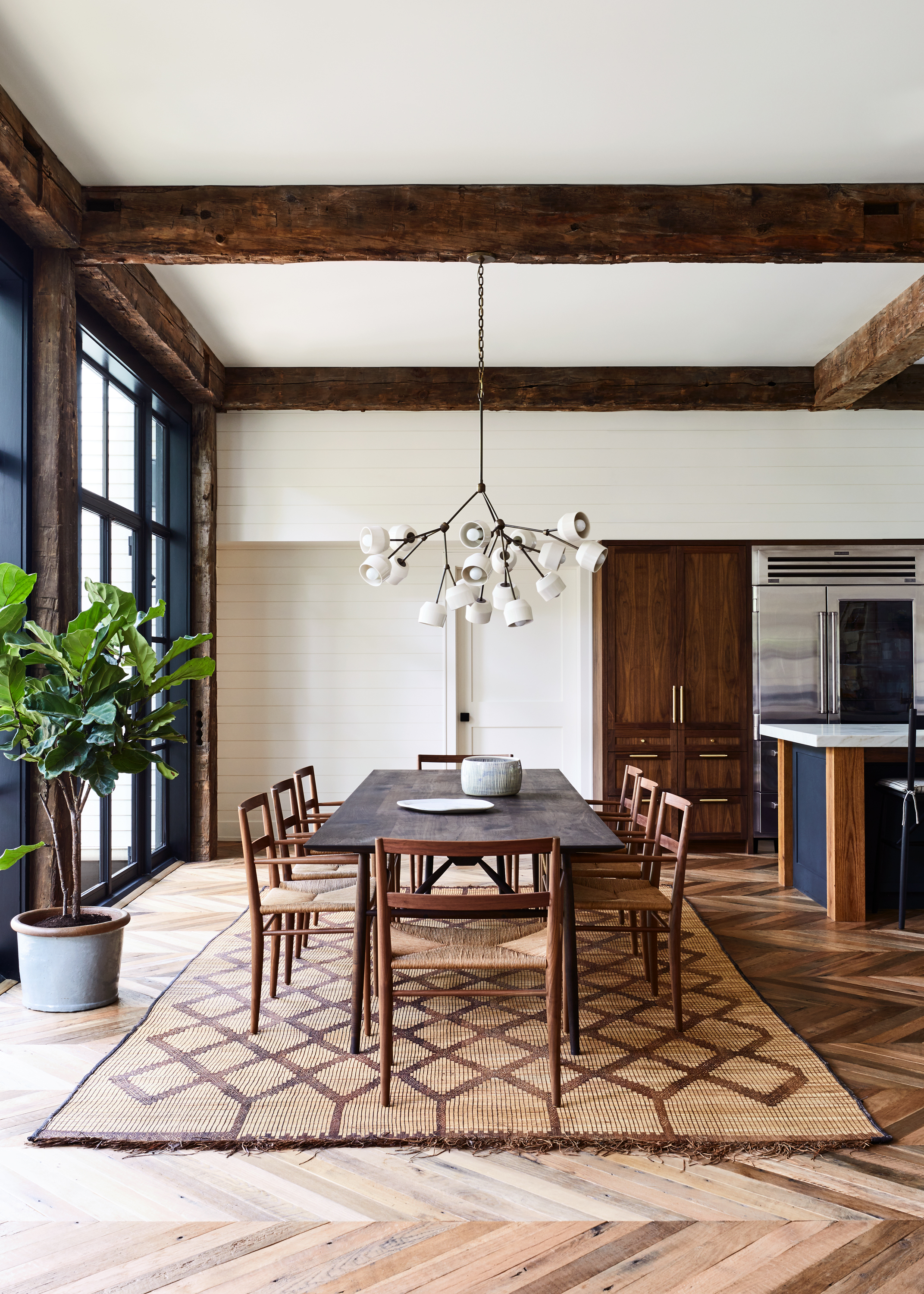 Lords_Hwy_Main_House_Dining_005.jpg