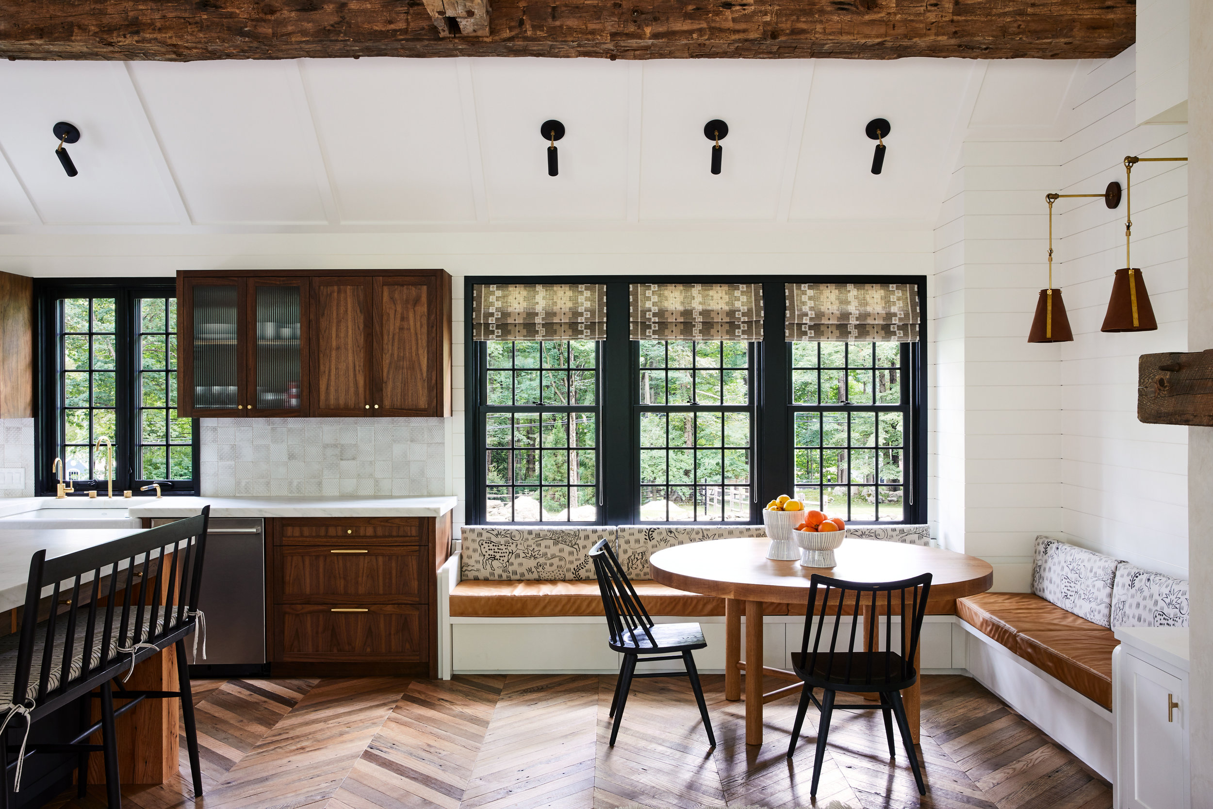 Lords_Hwy_Main_House_Kitchen_037.jpg