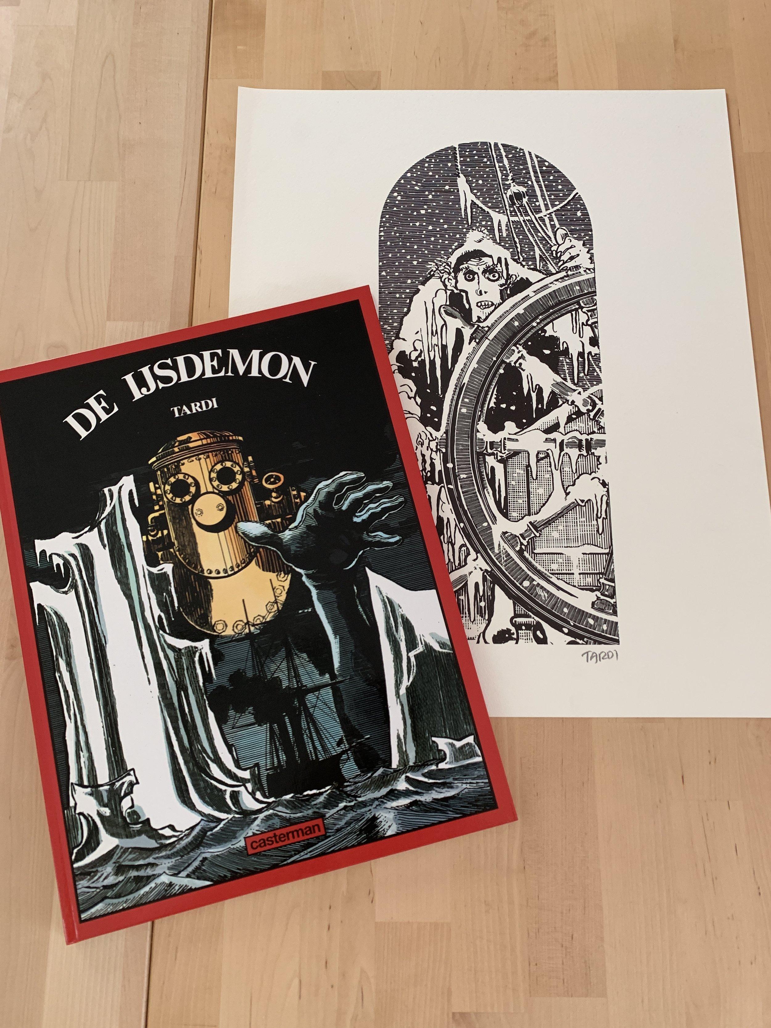 De IJsdemon - Jaques Tardi  Het eerste echte meesterwerk van Tardi, waarschijnlijk gebaseerd op de legende rond het spookschip Octavius, verscheen in 1980 bij uitgeverij Panda. Voor ons jubileum wordt hier de luxe-versie aangeboden, uitgebracht door Casterman in 1995. Dit 24-jarige album werd op 500 ex. gedrukt en voorzien van een prachtige ex-libris (genummerd en gesigneerd) op A3-formaat.