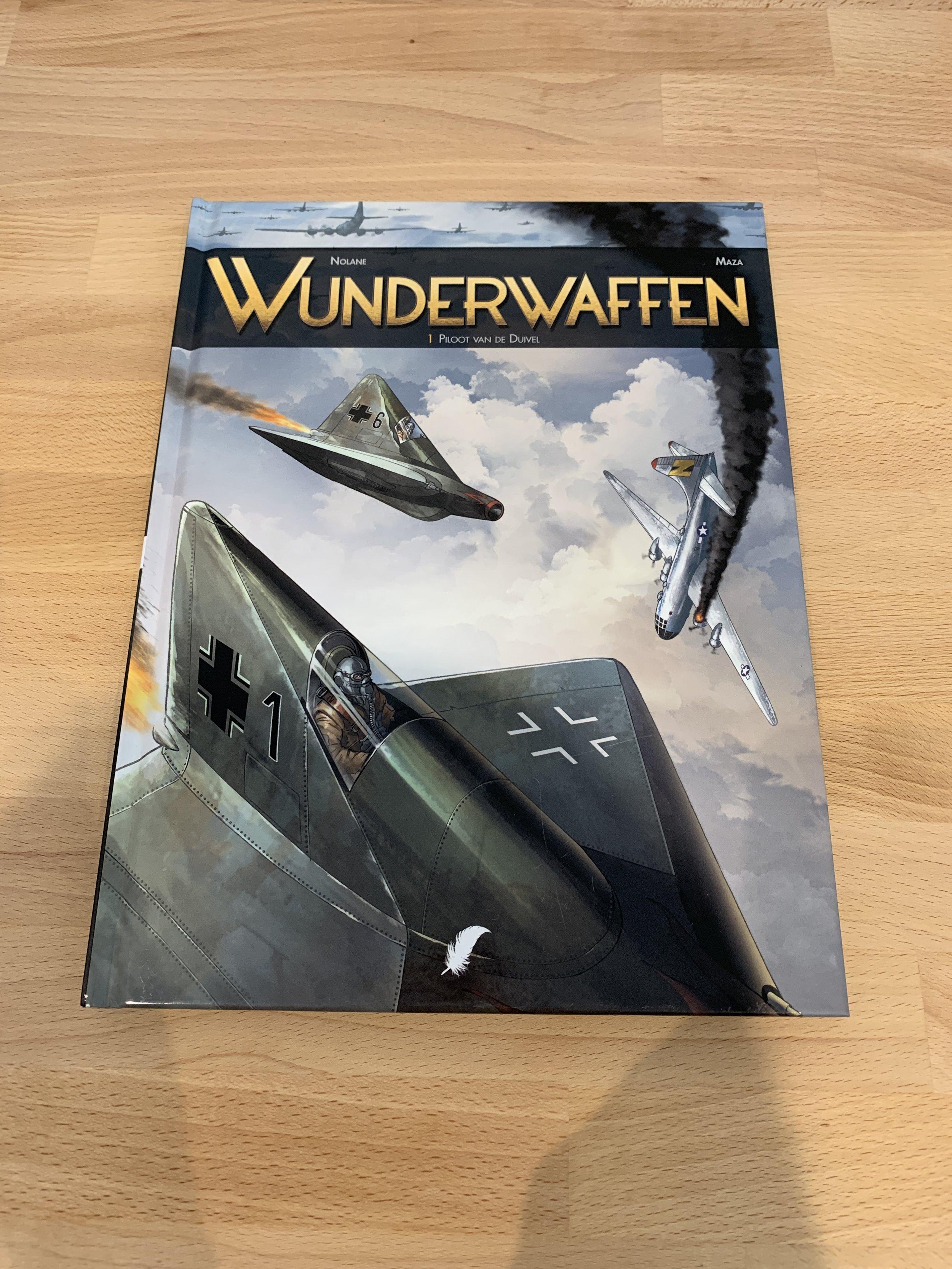 """Piloot van de Duivel (Wunderwaffen) - Maza Deel 1 van deze succesvolle pilotenstrip uit de stal van Uitgeverij Daedalus. Een gelimiteerde hardcover uit 2014. Eentje die op vele """"wanted"""" lijstjes een plaatsje heeft gevonden, gezocht door menig verzamelaar."""