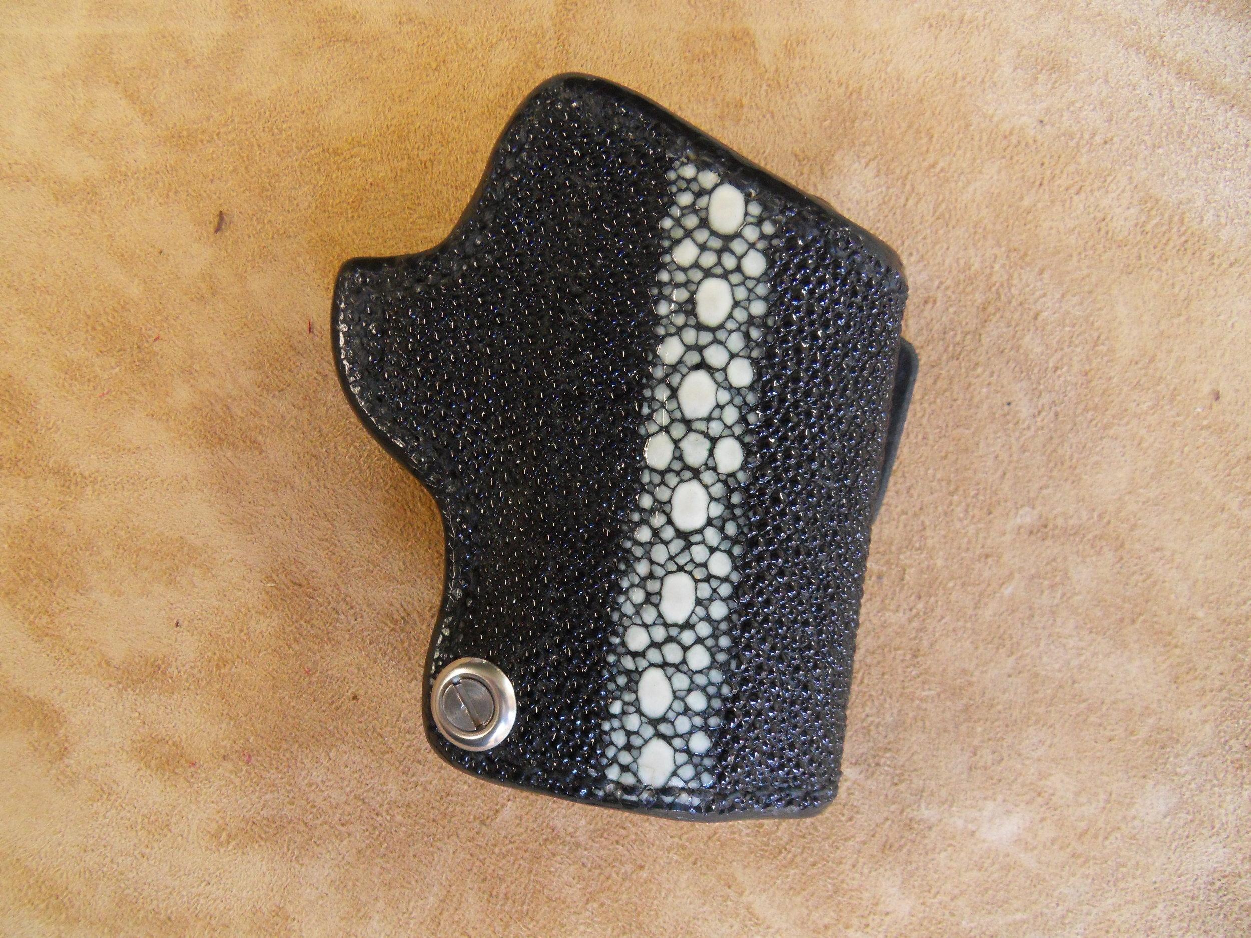 "8765 - 3"" 1911, Black Spinal Stingray, $250.00"