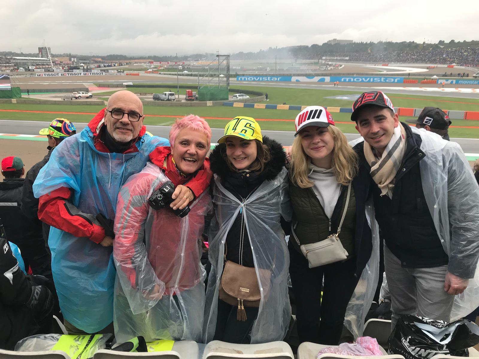 Moto GP Valencia en famille ... Mike, Nairi, Elena and Aymeric