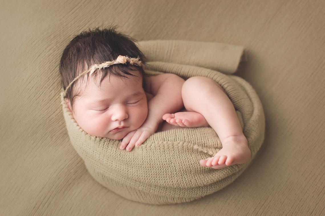 maryland_newborn_photographer_baltimore_hair.jpg