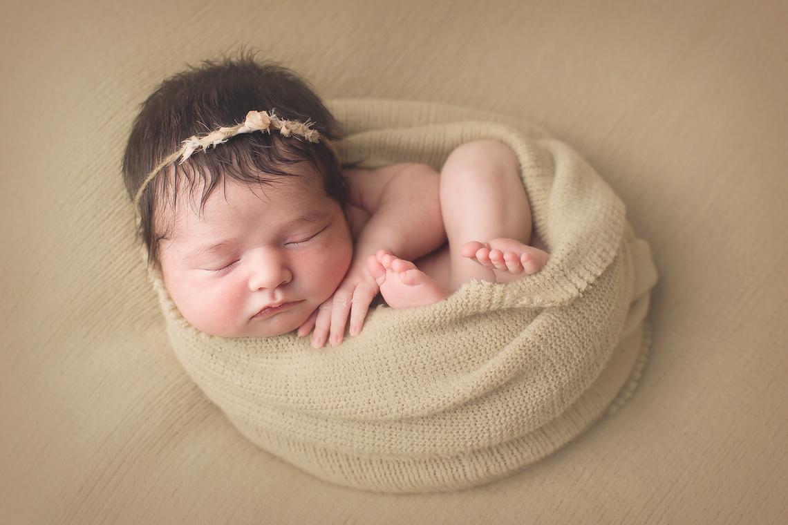 maryland_newborn_photographer_wrap_studio_bel_air.jpg