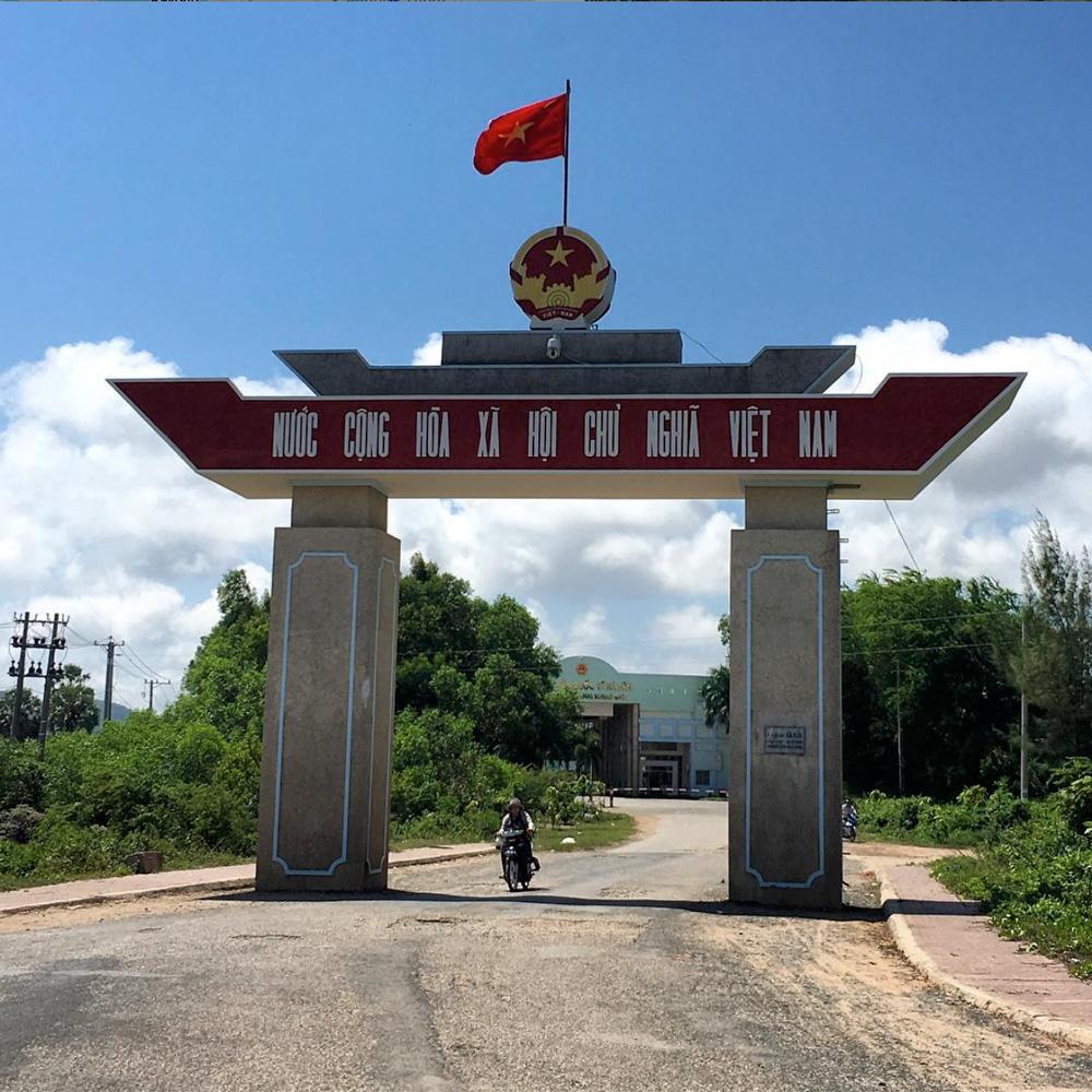 Ha-Tien-Border-Crossing,-Vietnam