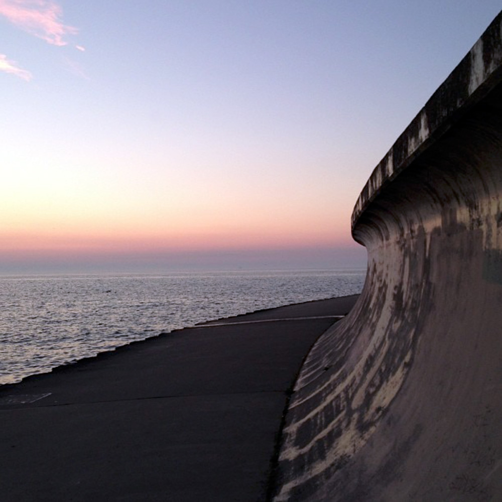 Sea-Wall,-Chicago