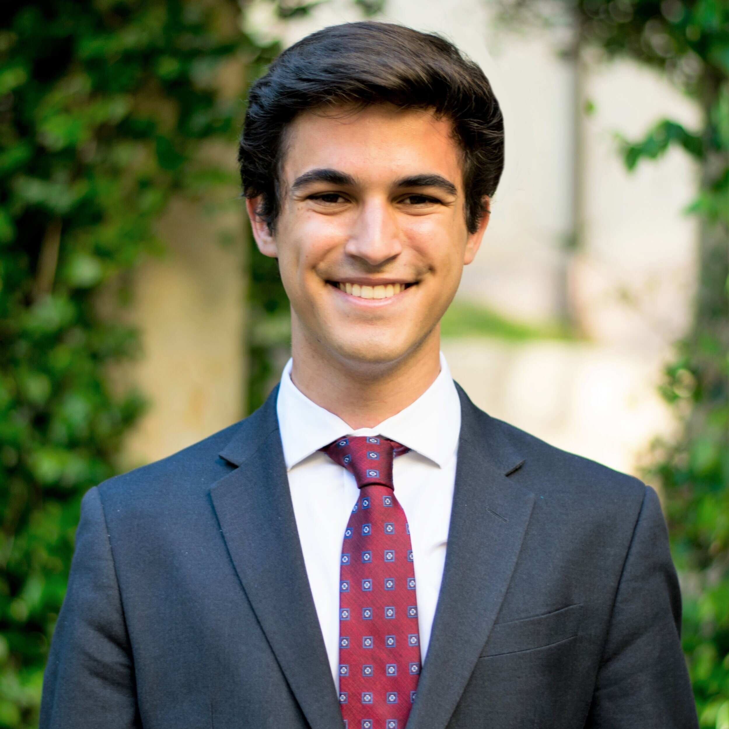 Marshall Comeaux   Dallas, TX CBHP, Plan II, Finance  Class of 2022  Marshall enjoys spending his free time playing ping-pong, devouring episodes of Mad Men, perusing the poetry of T.S. Eliot, and attempting to convince his friends that not all lobbyists are evil. He spent his summer learning how to cook spaghetti while studying international business in Buenos Aires.