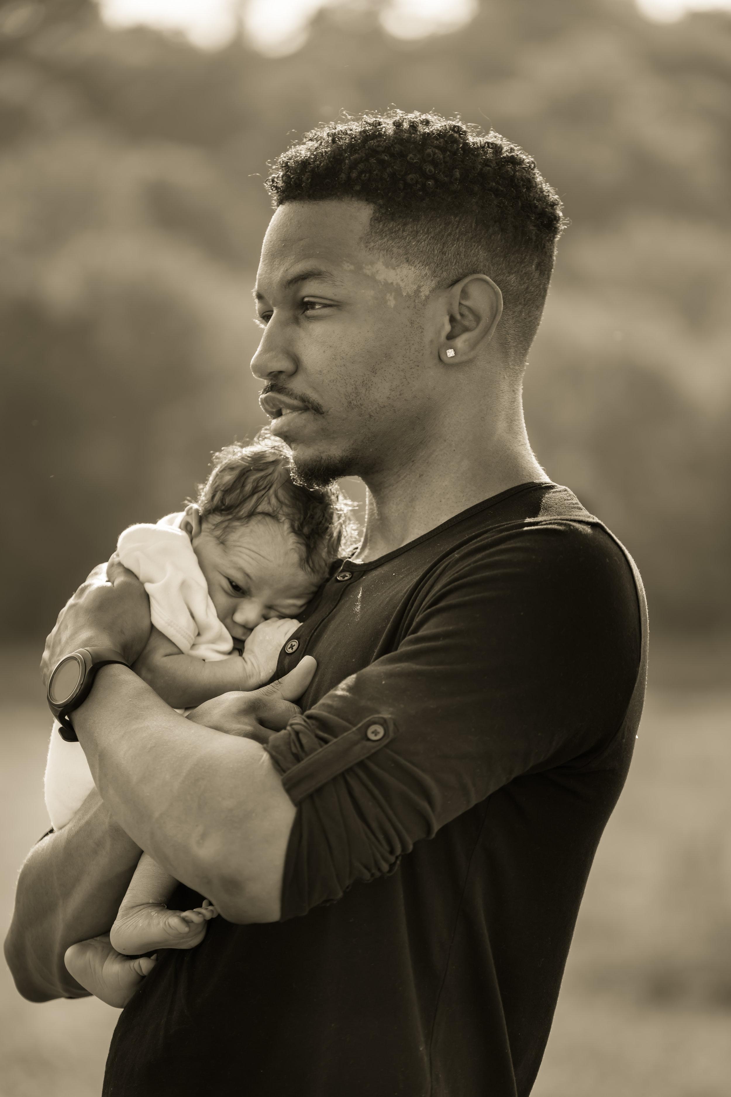 newborn family photo field photo louisville photographer