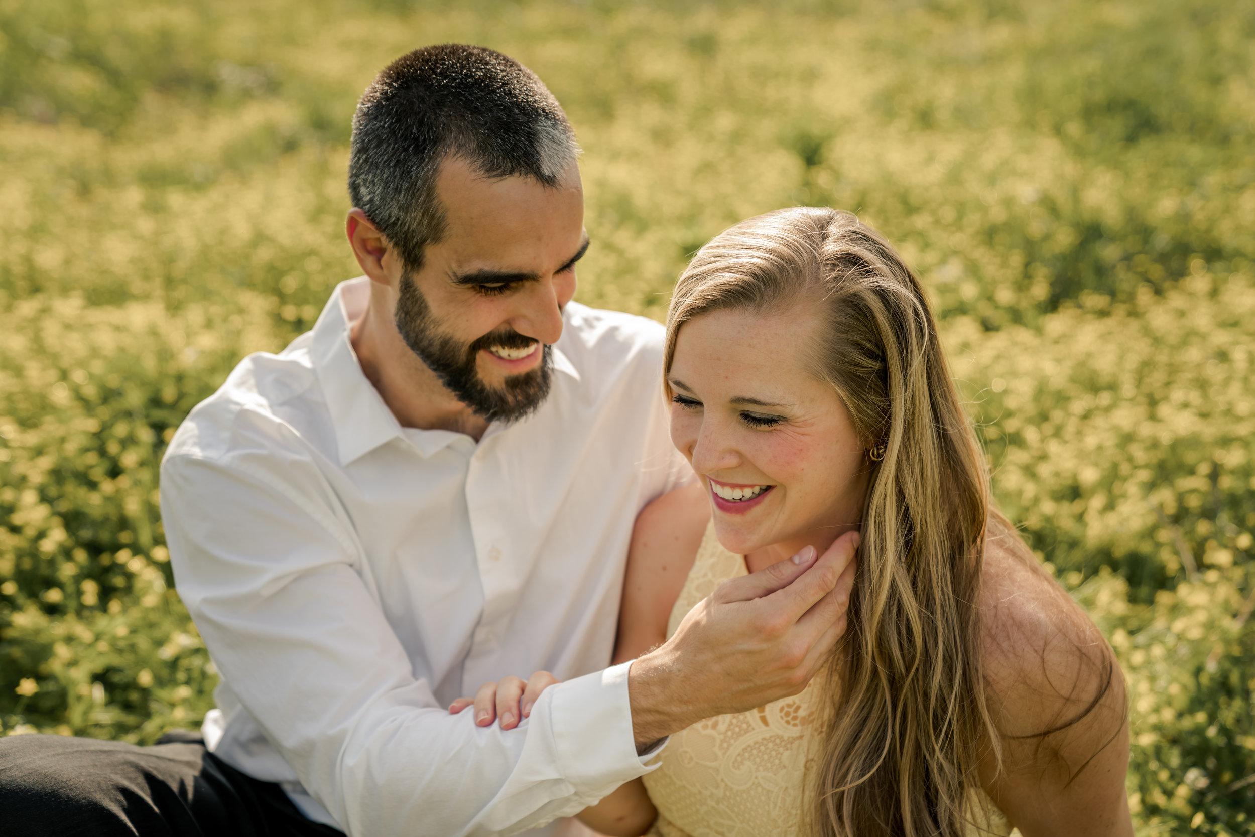 couple lifestyle photo field photo louisville photographer