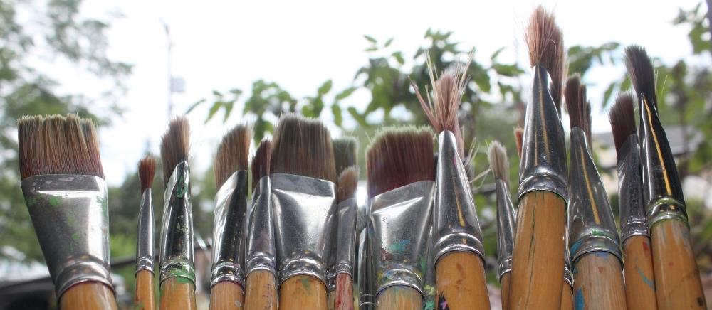 brushes-1601497_1920.jpg