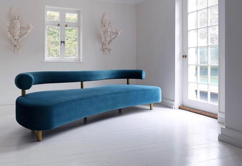 Kiss Sofa by Walter Barda