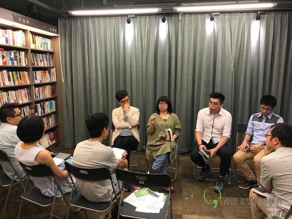 文學創作及研究者吳美筠博士認為當檔案不能表達「真相」時便只有依賴文學呈現