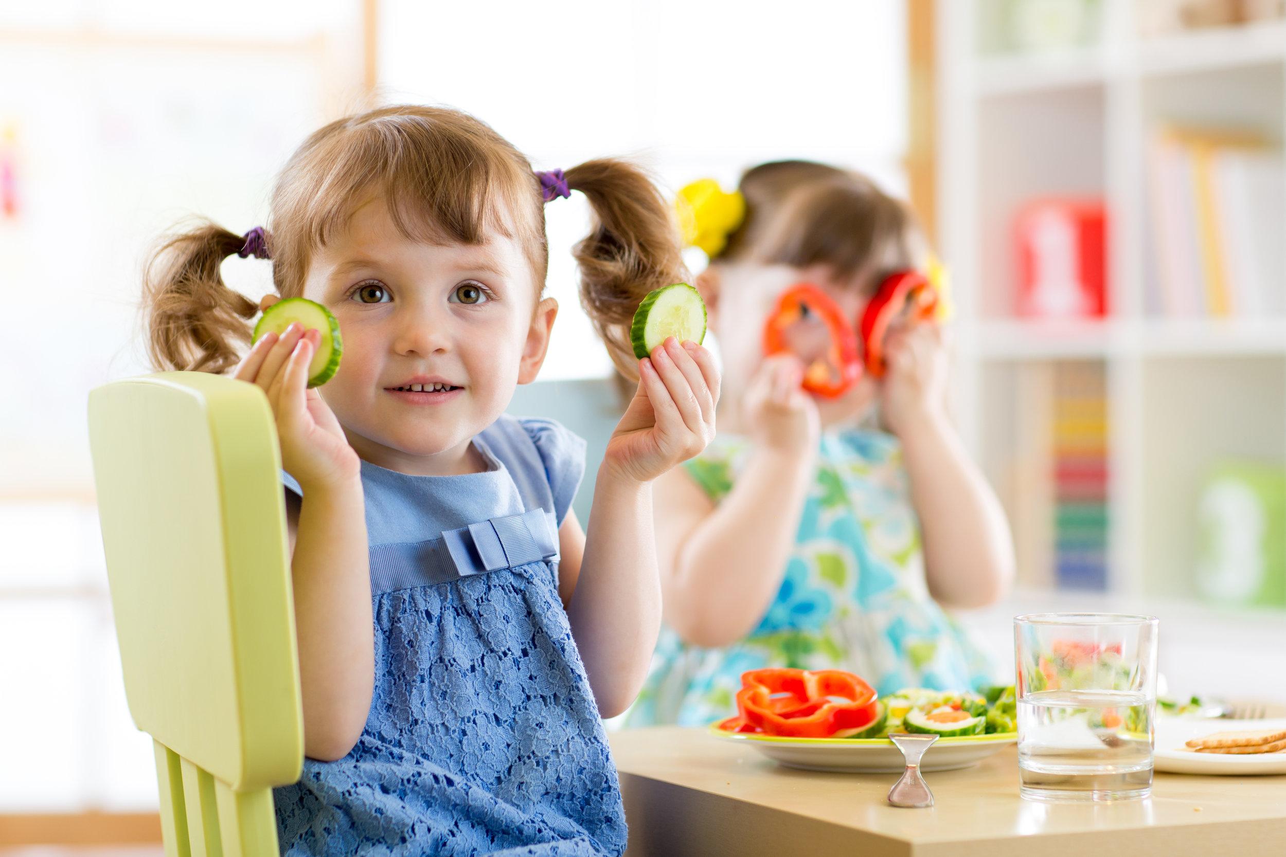 preschoolers-eating.jpg
