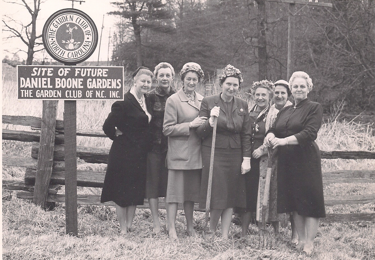 GARDEN GARDEN  CLUB LADIES BREAK GROUND IN 1961
