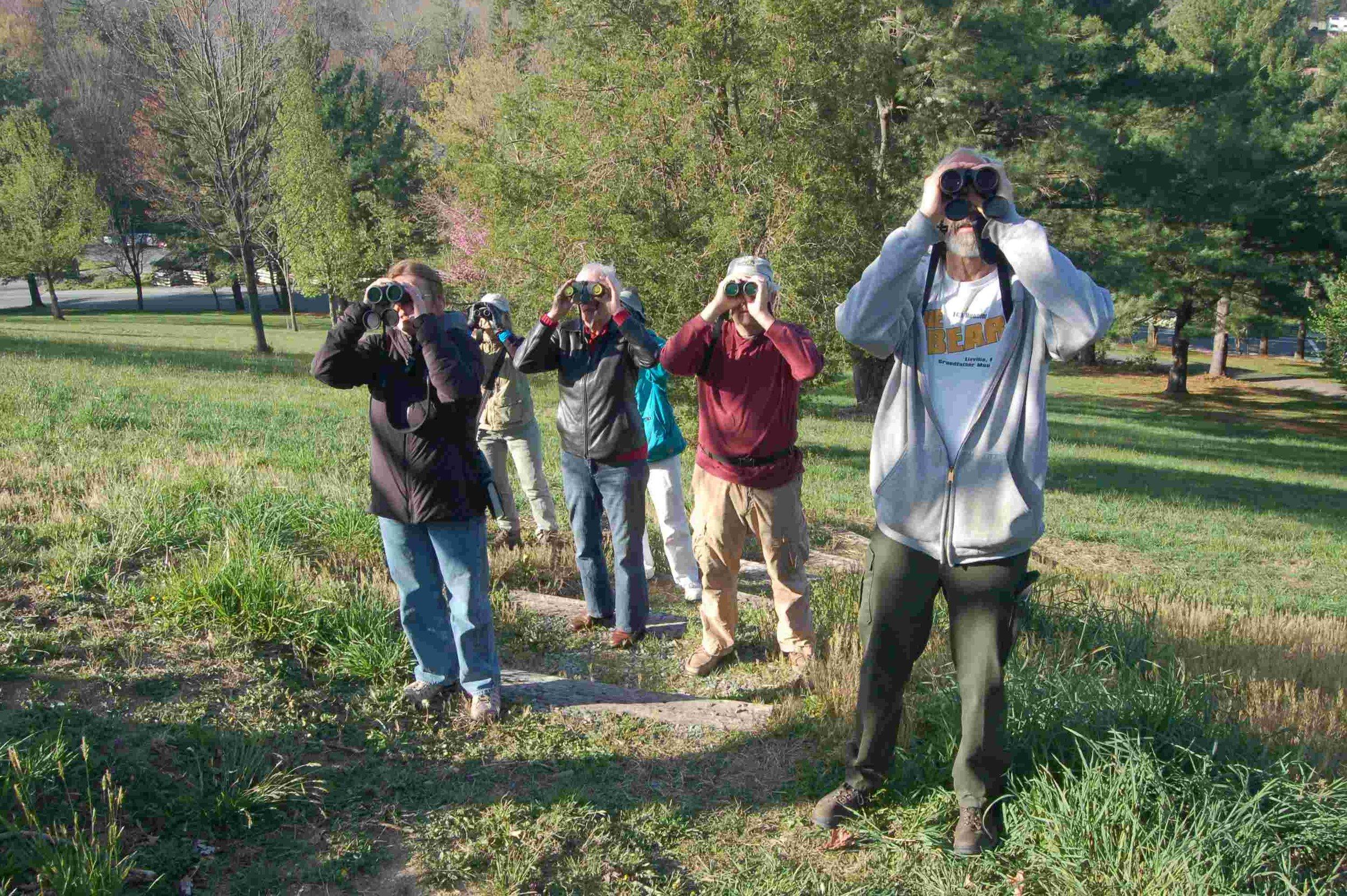 Birdwatchers enjoy spring migration