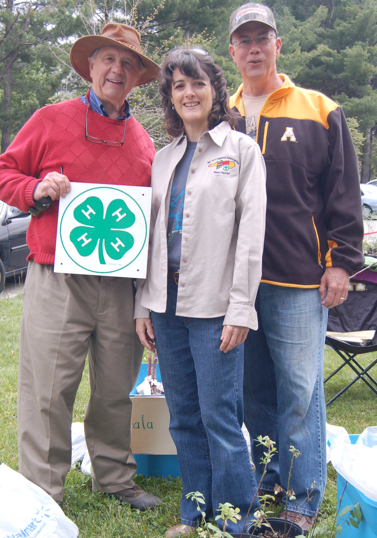 Dr. Dave Kline & 4-H supporters