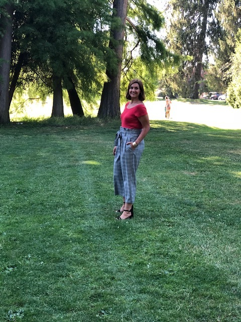 High waisted pants for the win. This was at  Green Lake Park , and was the last location of the day.