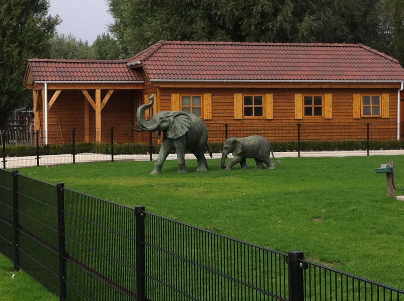 Paardenstal voor minipaardjes gebouwd door Ascot Systeembouw Nederland