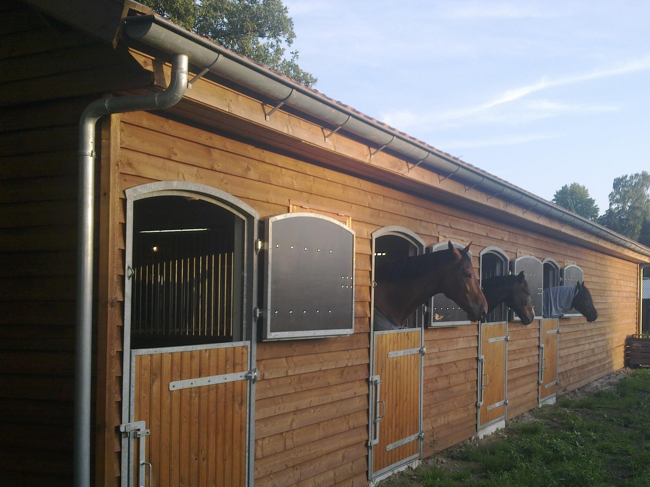 Paardendeuren met bovenluiken Ascot Systeembouw Nederland