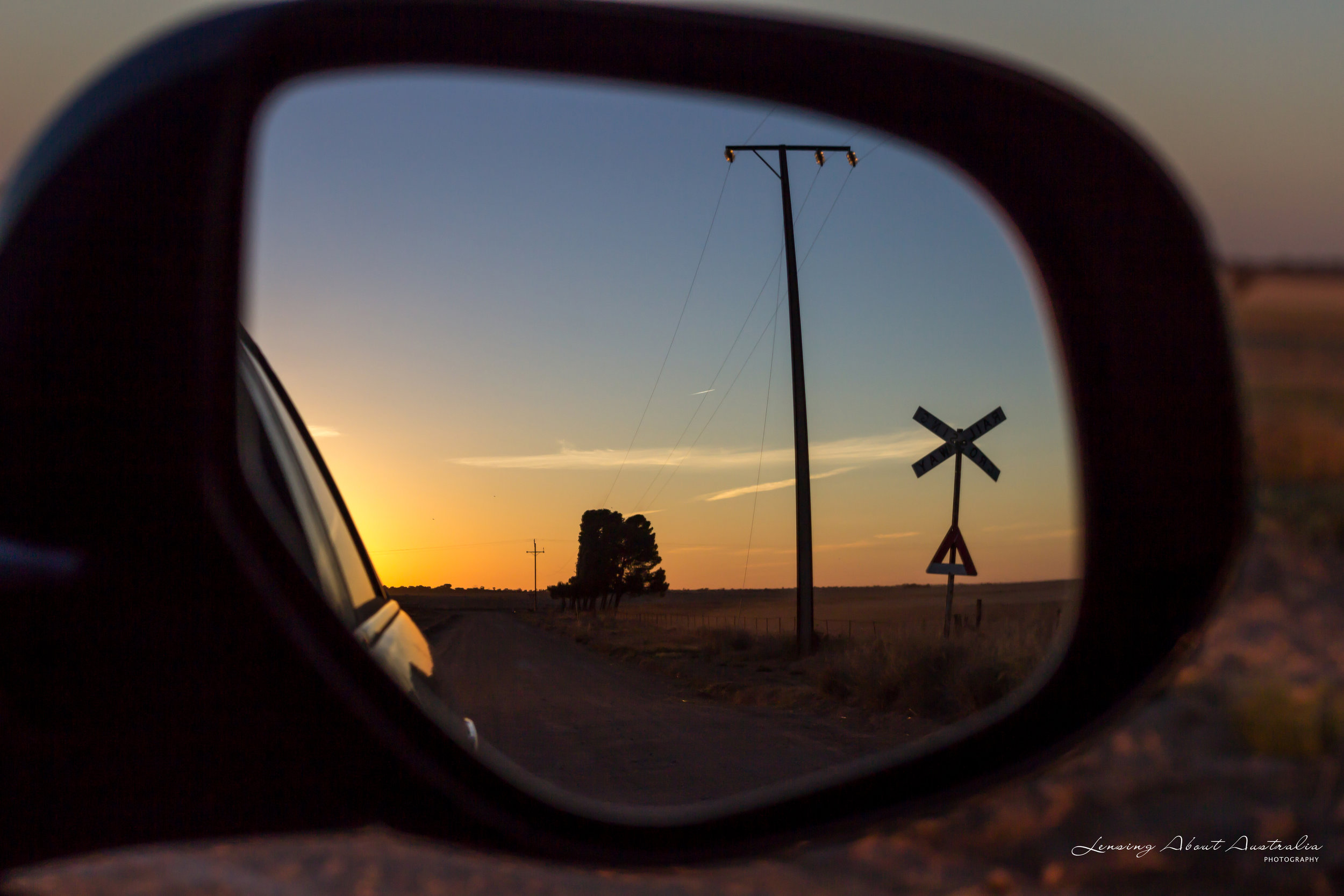 Car side mirror reflection, Canon EOS 600D; ISO 200, f5.6, 1/250sec.