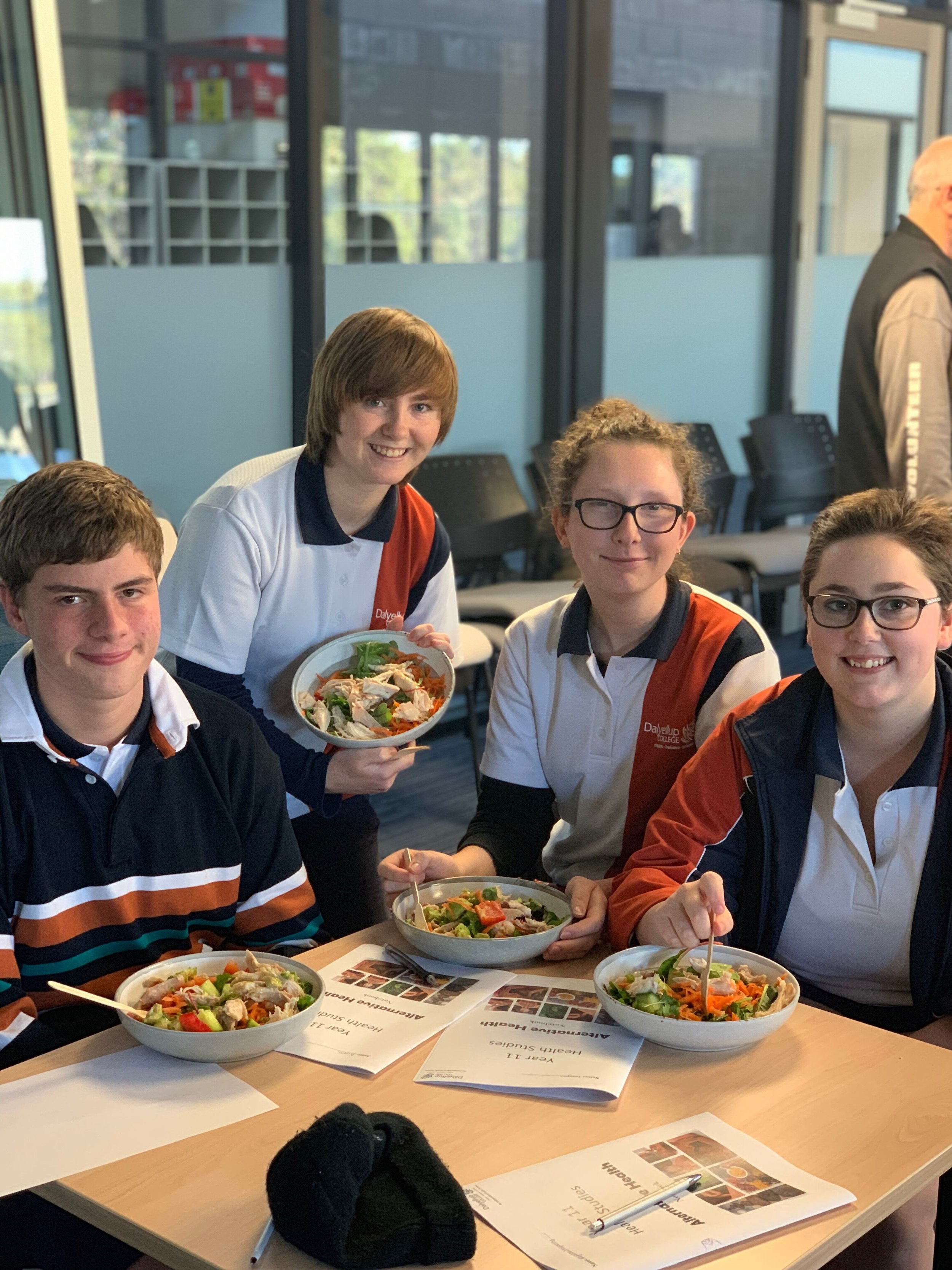 A group of students from the Healthy Schools Program in Dalyellup enjoying their Macro Bowls in Session 1.