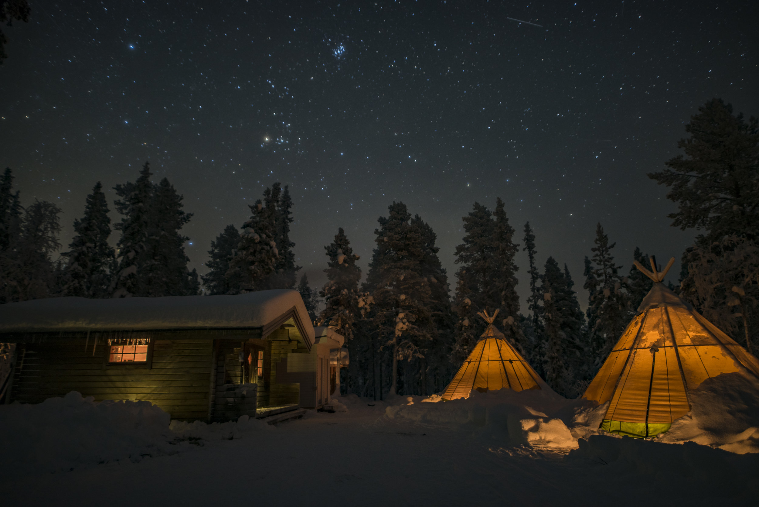Glamping in Swedish Lapland. Photo: Lennart Pittja