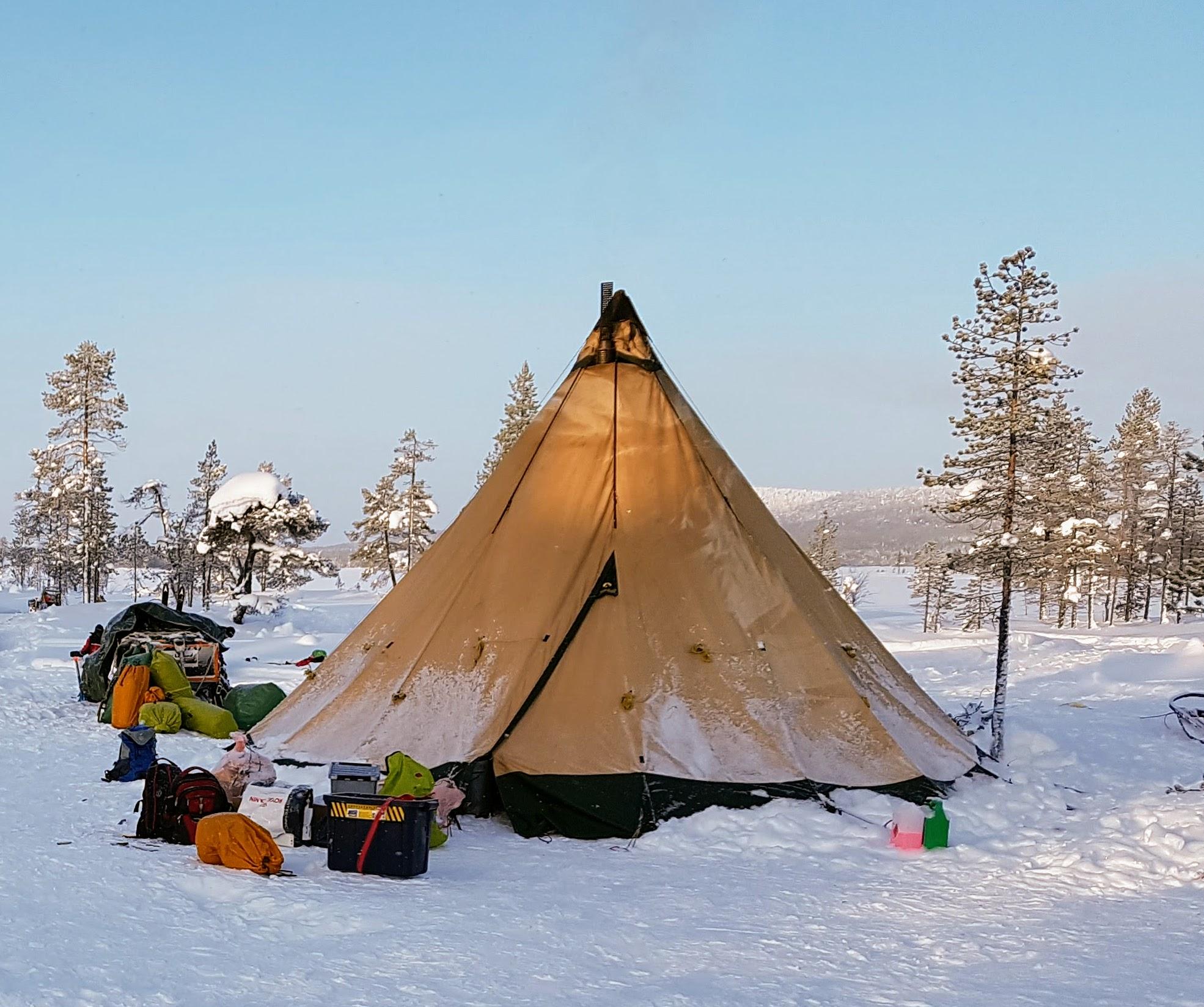 tepee_winter_1.jpg