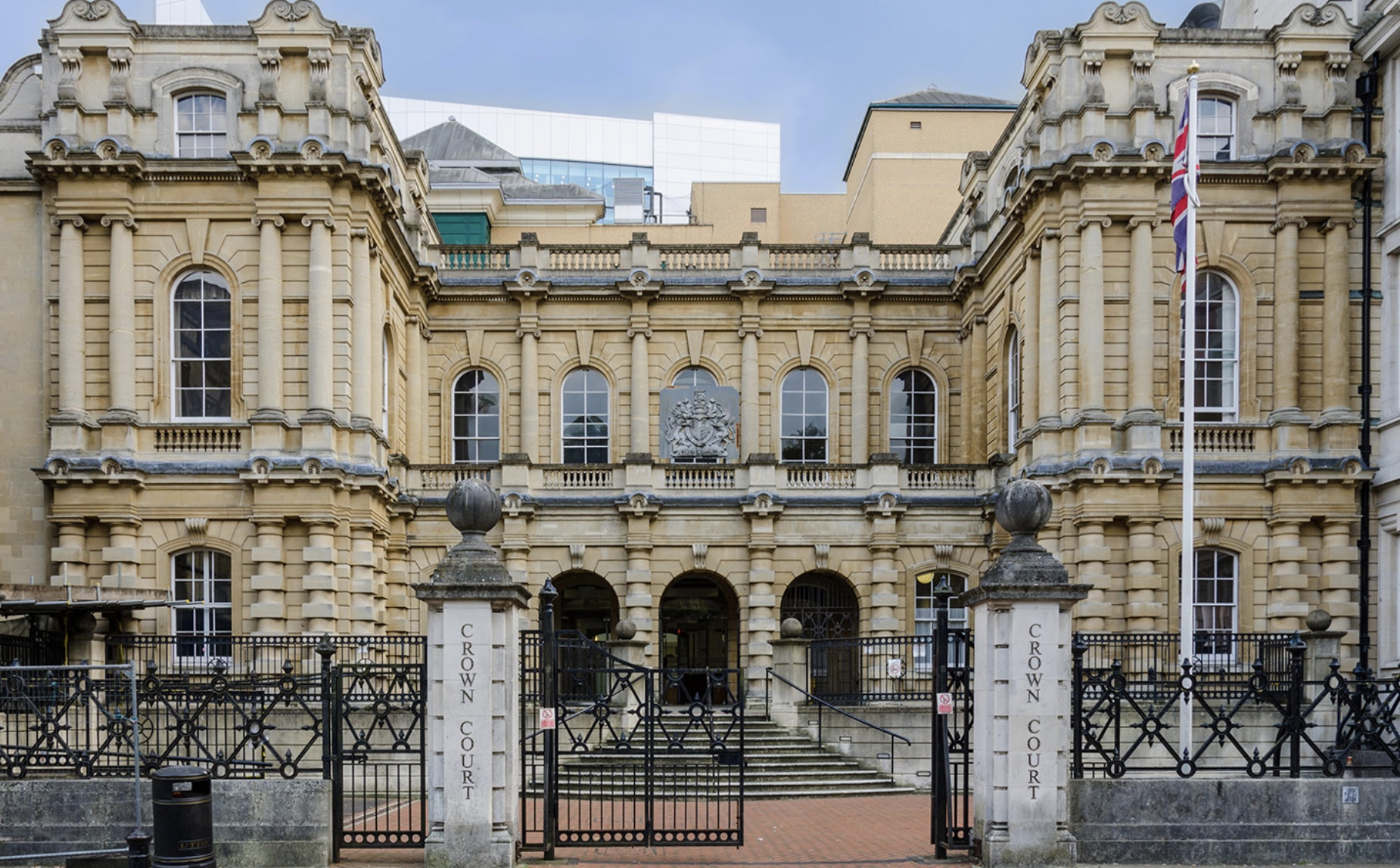 Crown Court, Reading - Robinson Associates designed the M&E services for the extension and updating of the old Reading Crown Court to provide up to date lighting, security systems and new ventilation and cooling to the six courts and ancillary areas.