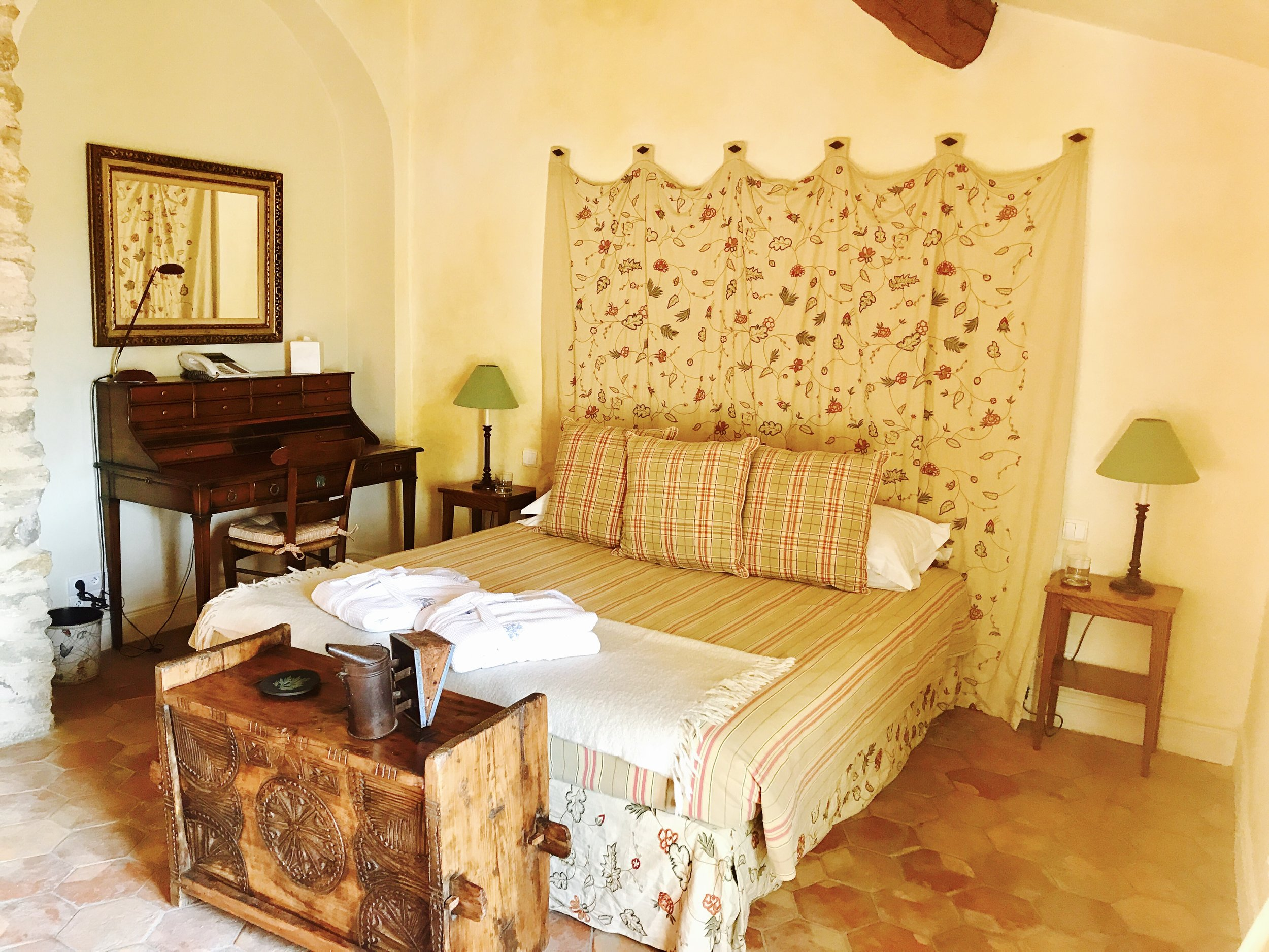 Abeilles bedroom