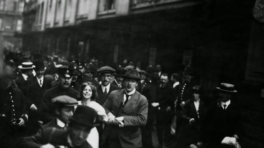Suffragettes vs. Police (1).jpg