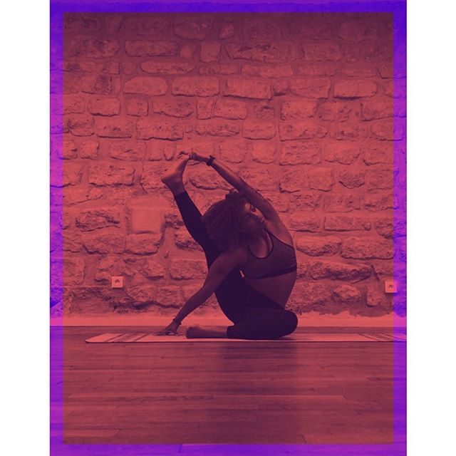 ✨ COMPASS MODE✨ . . . .  _  #yogapose #technique #compasspose #yogafit #instayoga #yogaplay #photobomb #loveeatsmile #yogapractice #yogalove #yogachallenge #yogagram #yogaeverydamnday #yogastretch #lowbackstrength #sidecrow #practiceandalliscoming #bendyyogisflow #yogaforlovers #yogaaddict #yogini #yogahigh #igyogafam #igyoga