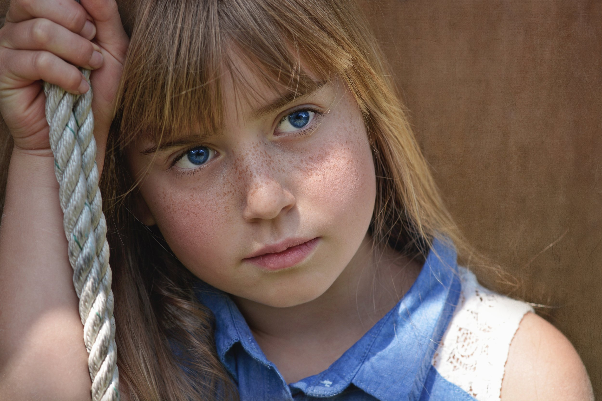 beauty-blue-eyes-child-33325.jpg