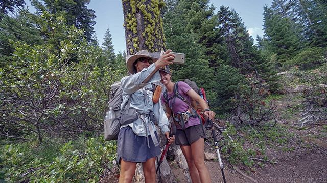 The incredible feeling of crossing your first state border. You hike nearly 65% of the PCT before you hit the Cali/Oregon border. And usually take close to 3 months. Here Hummer and ACB make sure to appropriately document the milestone. #humansofthepct #PCT #pct2018 #pctclassof2018 #adventurephotography #sonyalpha #sonya7ii