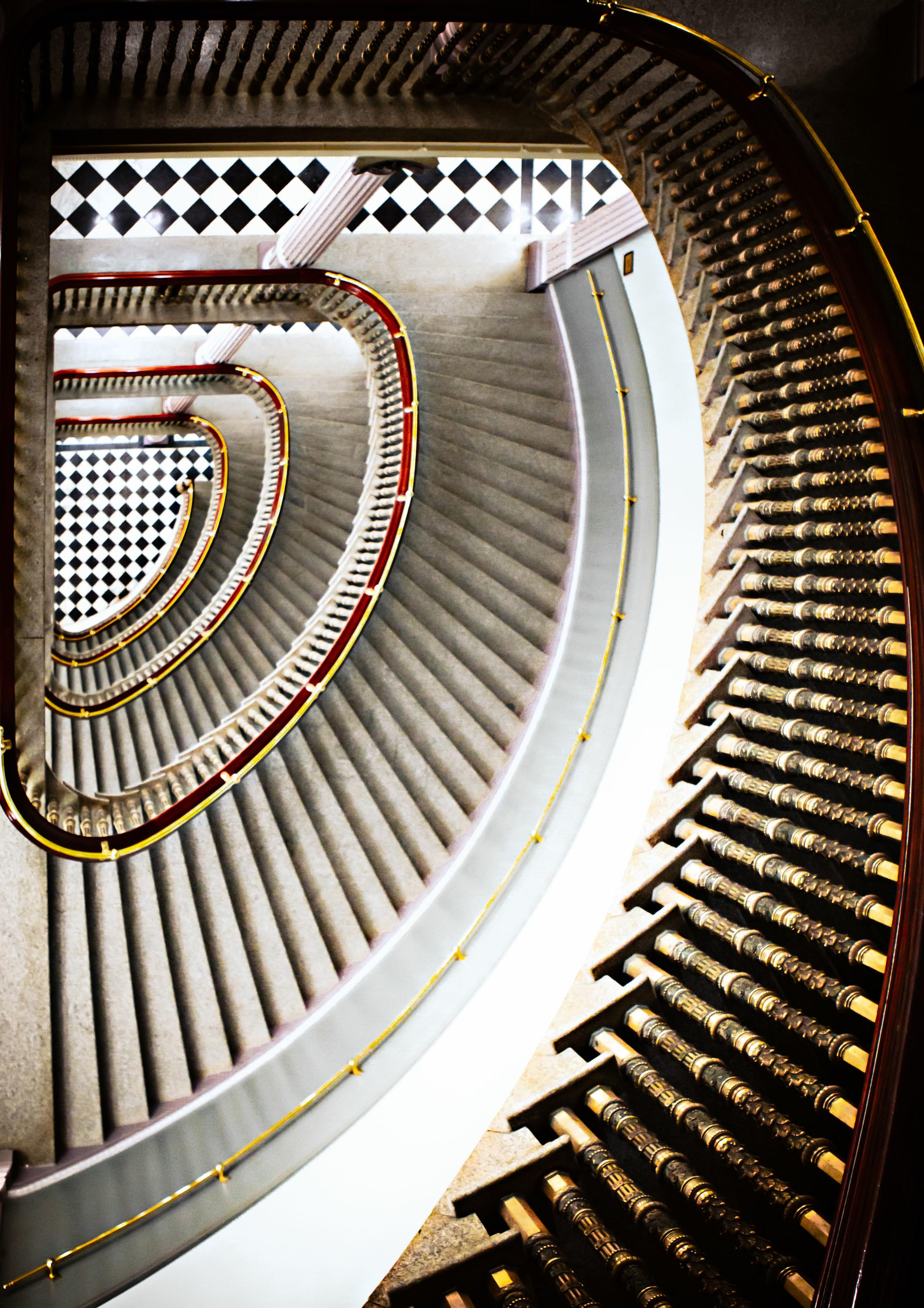 11 nov 09 2010_EEOB Stairwell.jpg