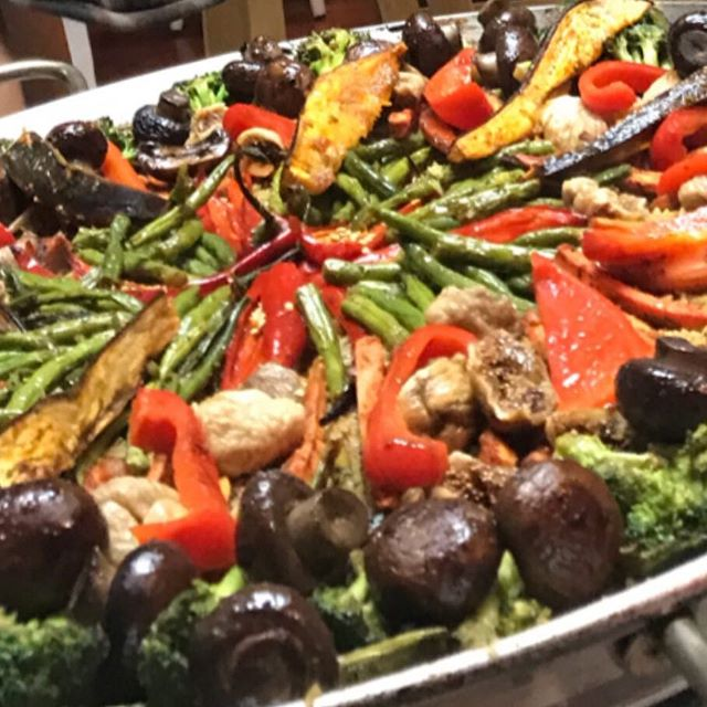 Chocolate Veggie Based Paella... made with love and collective creative collaboration @thevibehousesd #collectiveconsciousness #plantbasedpaella #potlucktimes #monkeyscooking 🐒😊🎼☀️thanks for the vibes, smiles n music 🎼😊