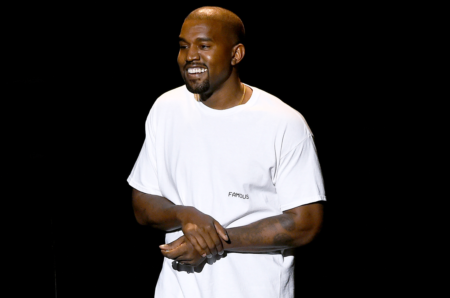 kanye-west-vmas-smile-2016-billboard-1548.jpg