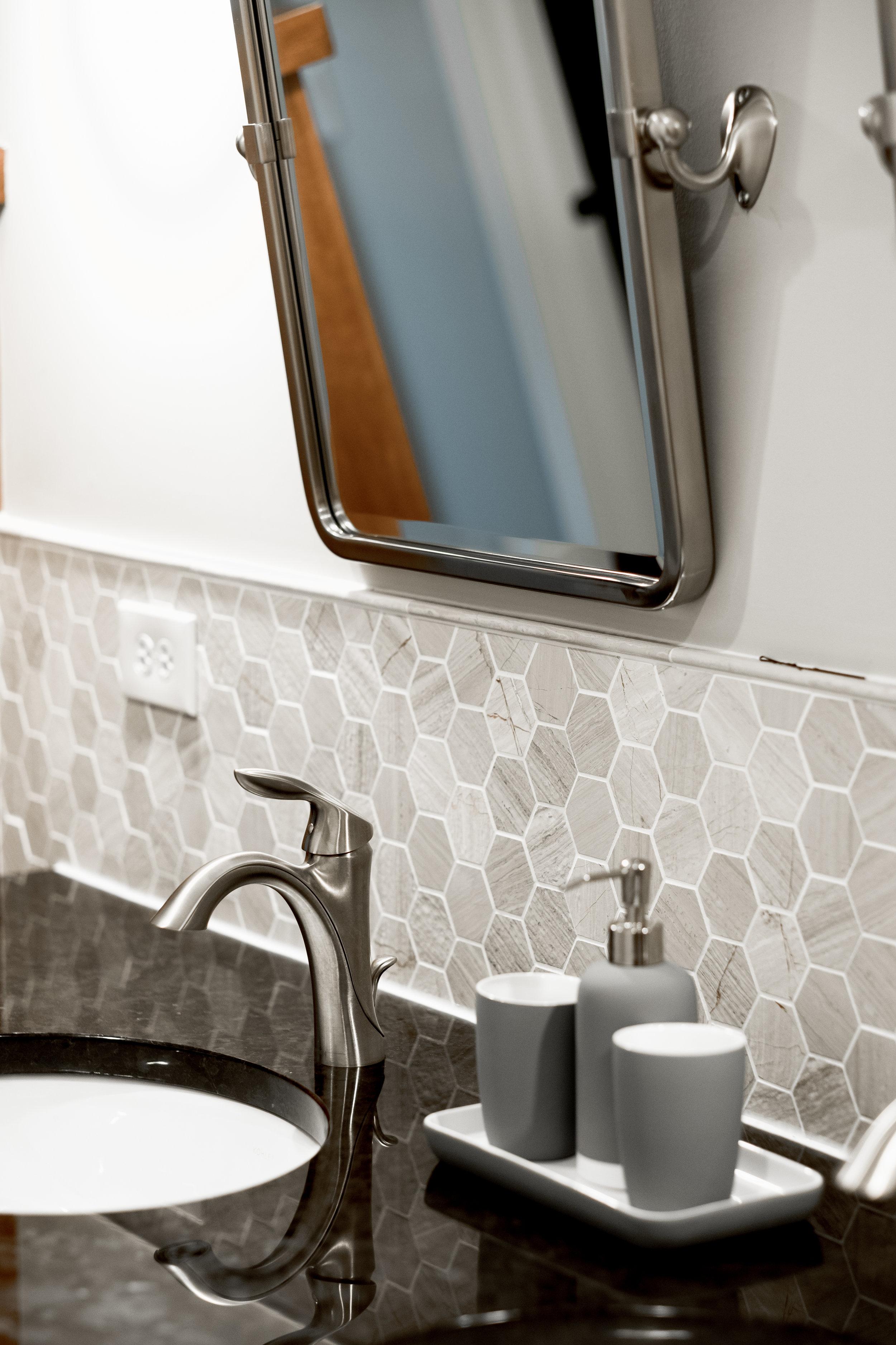 Hexagon tile in bathroom