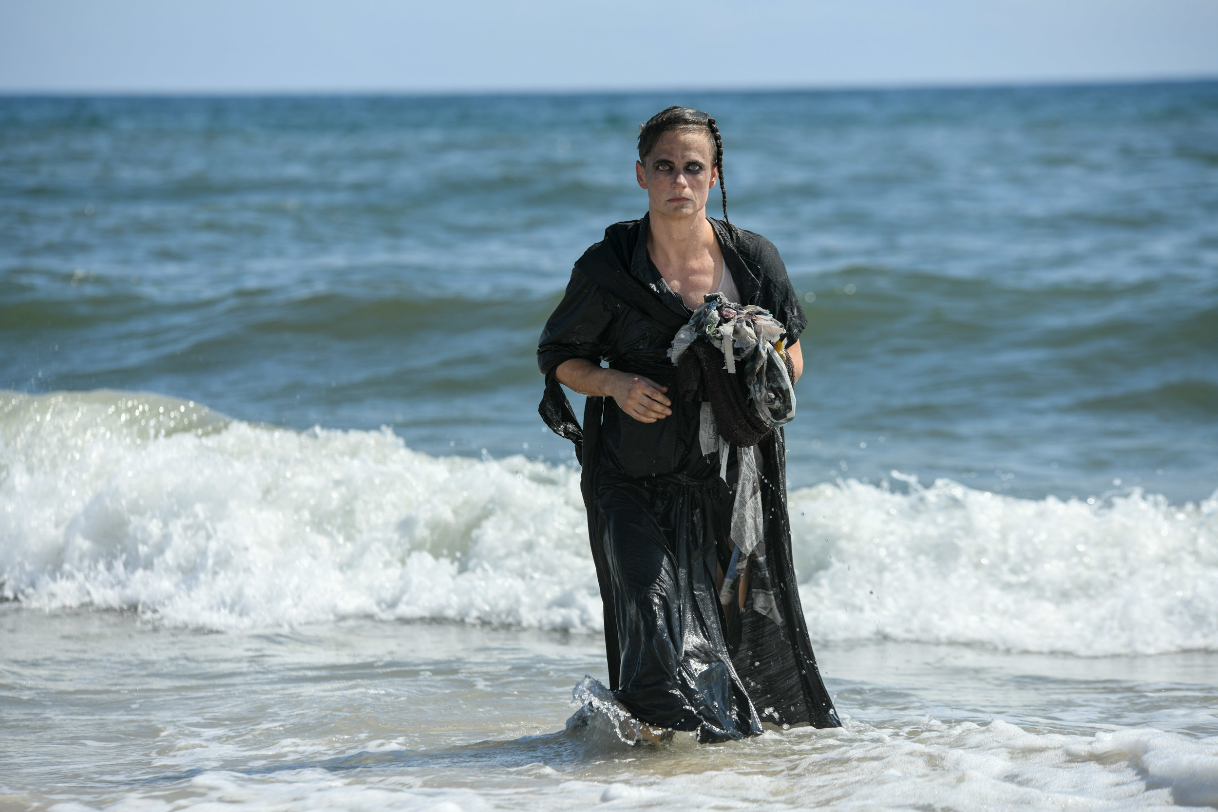Nosferatu-On-The-Beach-8-Savannah-Knoop-Photo.jpg